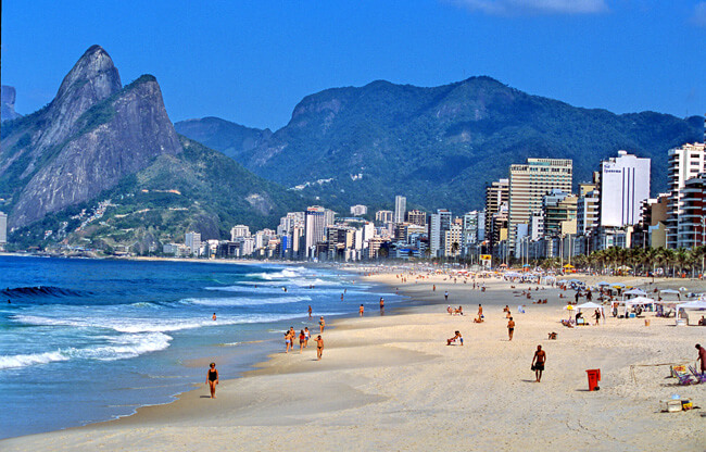 Ipanema/LeblonRio de Janeiro (RJ)Vista da praia e fachada de prédiosMorro Dois Irmãos ao fundo